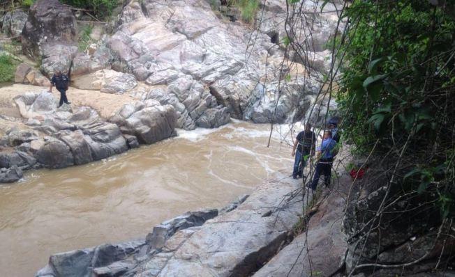 Niño se ahoga en río de Juncos