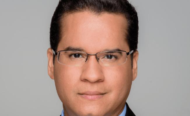 Tras nuevos horizontes el reportero ancla Ricardo Currás