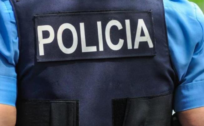 Sujeto muerde hasta sangrar a policía municipal