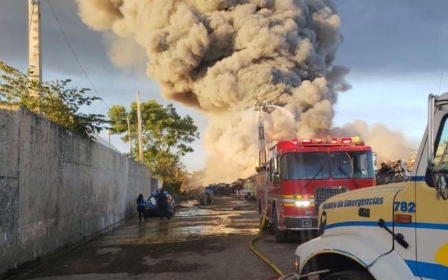 Gobernador ordena la contratación de 41 bomberos