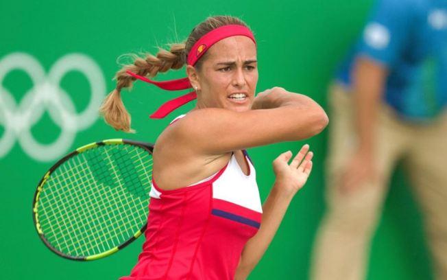Mónica Puig soprende a Garbiñe Muguruza y entra a cuartos de Final