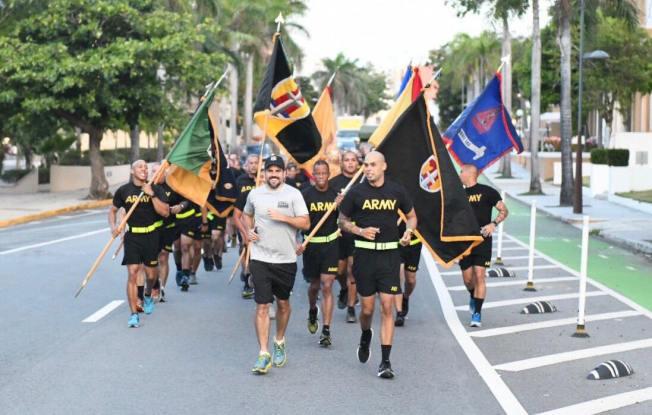 Rosselló corre por centenario de la Guardia Nacional
