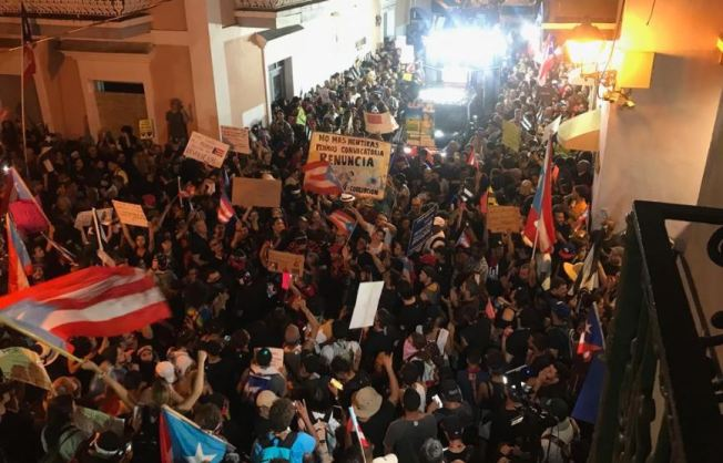 Continúan las manifestaciones contra Rosselló