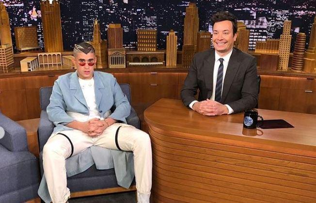 Bad Bunny le tira fuerte a Trump en The Tonight Show