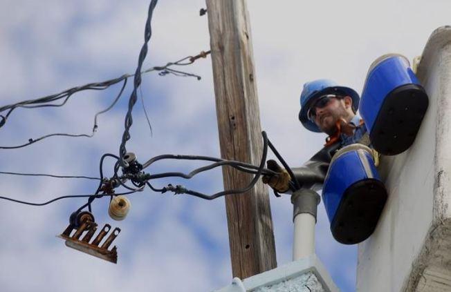 Nuevo contrato millonario para reconstruir tendido eléctrico en la Isla