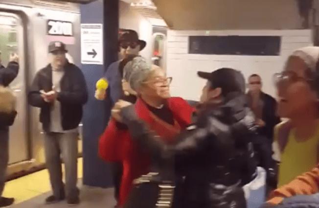 Se enciende la fiesta en estación del tren en Nueva York