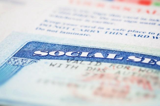 Les radican cargos federales por pasarse de listos con el Seguro Social