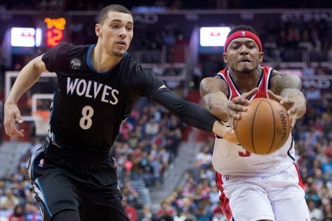 Spurs y Warriors protagonizan otra jornada de marcas históricas