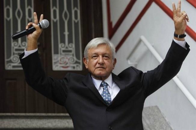 """López Obrador anuncia """"presidencia itinerante"""""""