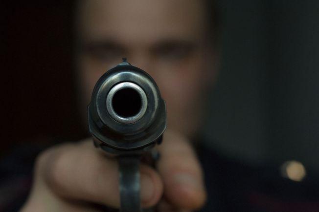 Hombre mata a tiros a su vecino en Moca
