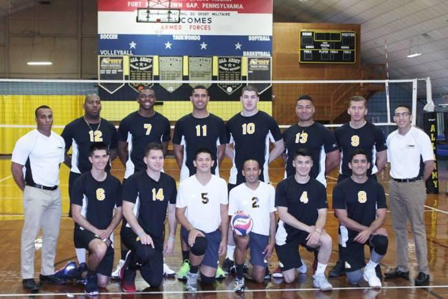 Militares boricuas al mando del equipo de Voleibol del ARMY 2018