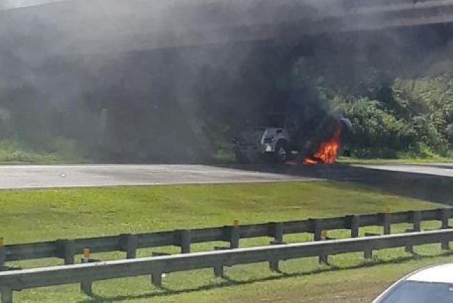 Camión de diesel se incendia en el Expreso 22
