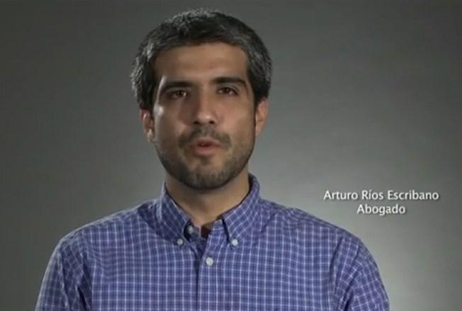 Arturo Ríos renuncia a beca presidencial