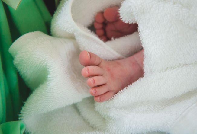 Policía investiga posible maltrato a bebé de 3 meses