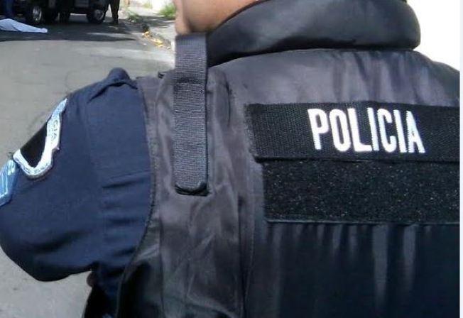 Muere joven tras conductor ignorar intervención policiaca