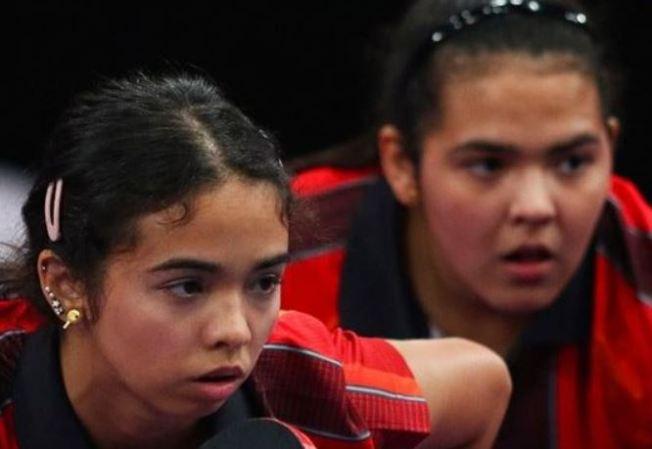 Adriana y Melanie Díaz avanzan a cuartos de final en la modalidad individual