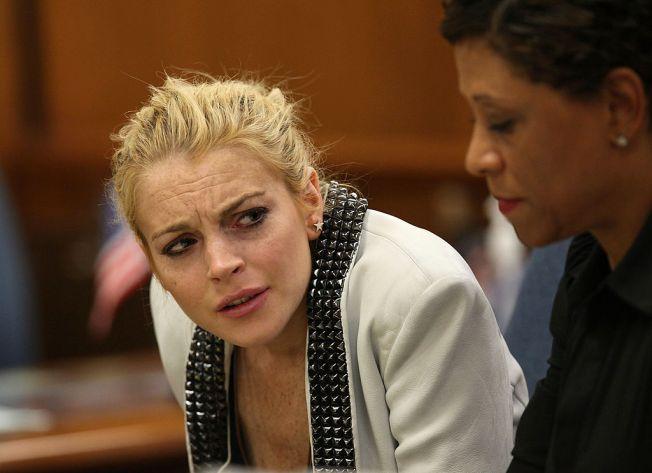 Lindsay Lohan pierde parte de un dedo en un bote