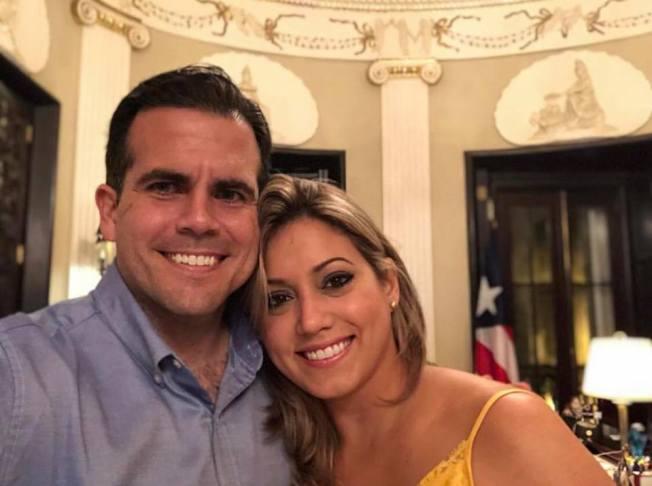 Gobernador celebra su aniversario de boda