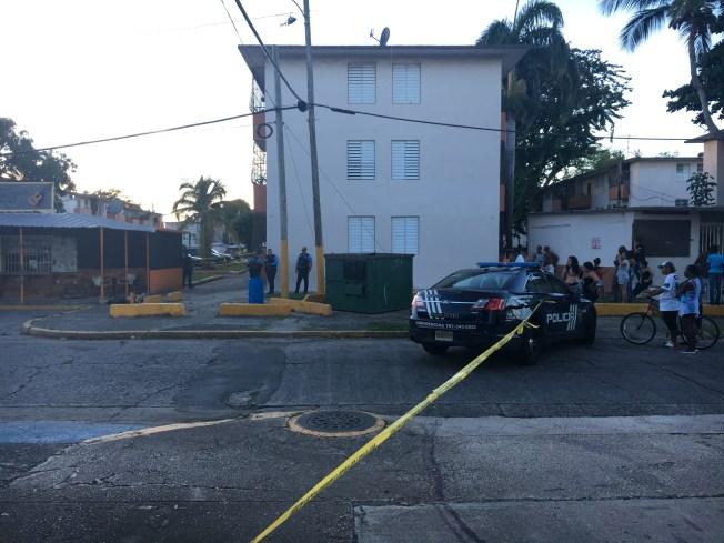 Hombre muere acribillado durante balacera en Llorens Torres