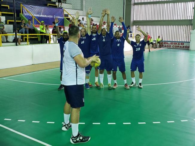 Puerto Rico espera por su rival en las semifinales de balonmano masculino
