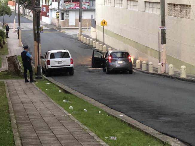 Identifican hombre asesinado en un carro en Santurce