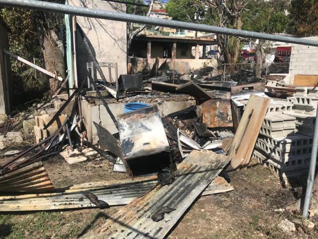 Fuego cobra vida de un hombre en Ponce