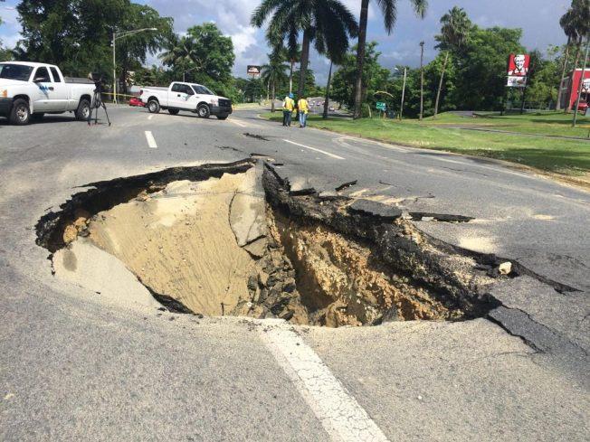 Carretera cerrada en Bayamón