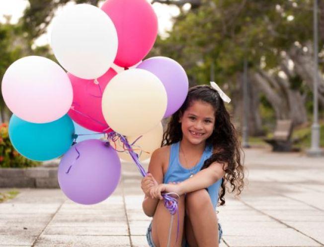 Buscan hogares de crianza para niños y jóvenes
