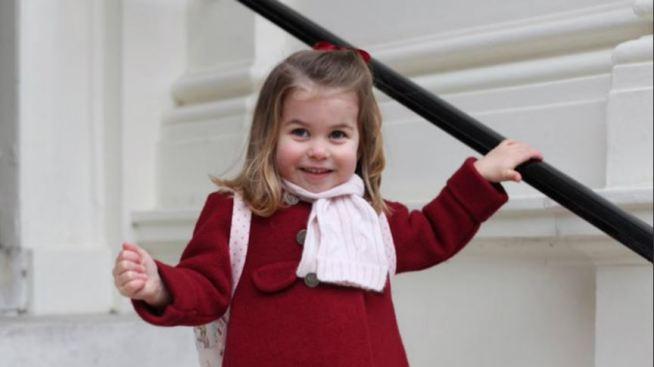 Así fue el primer día de escuela de la princesa Charlotte