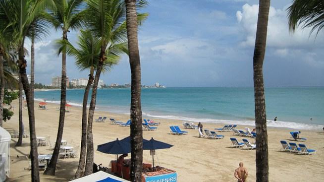 Delicada: menor que tragó agua en Isla Verde