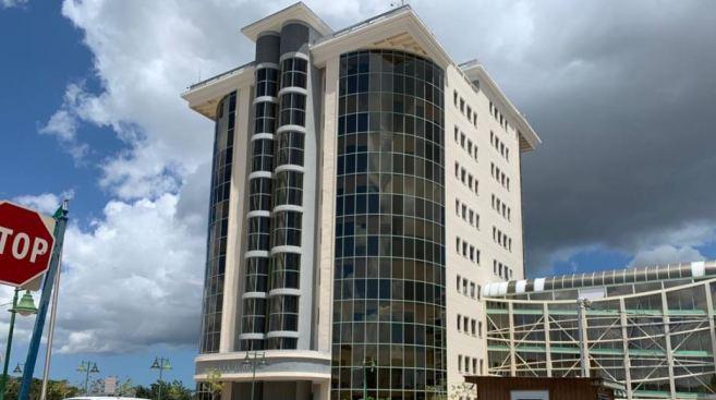 Derrotada ordenanza que buscaba acuerdo con exempleada municipal de Guaynabo