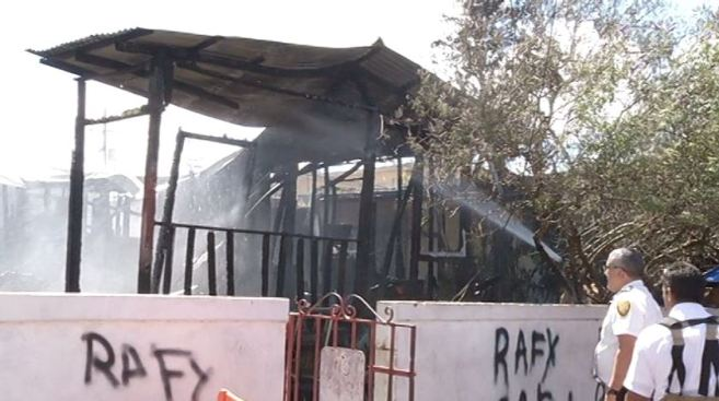 Se quema casa en Barrio Obrero