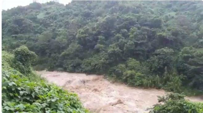Deslizamientos por fuertes lluvias en Utuado