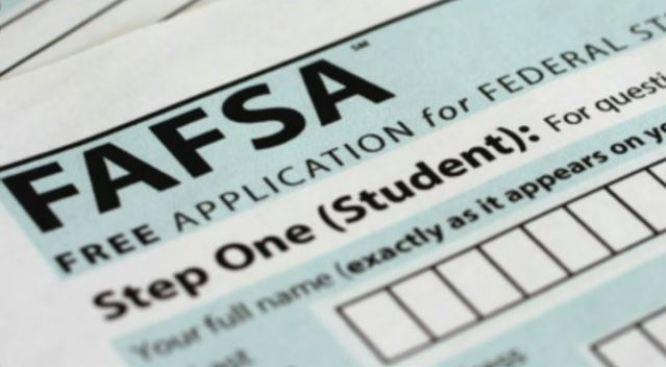 Cambios en solicitud de ayuda financiera para estudiar en la universidad