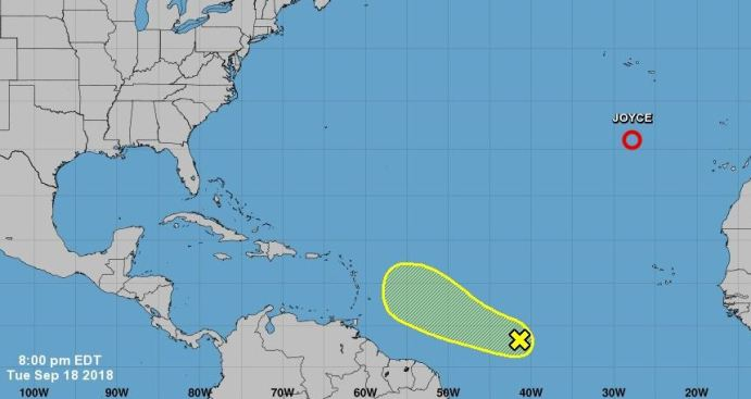 Vigilan disturbio al este de las Antillas Menores