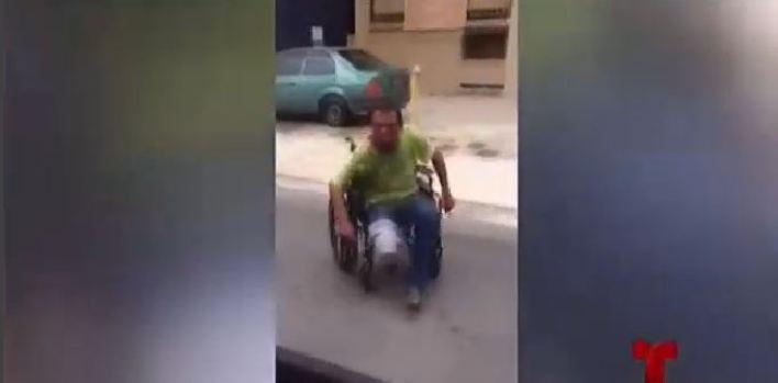 Familia de deambulante agredido por policía pide un lugar para ayudarlo