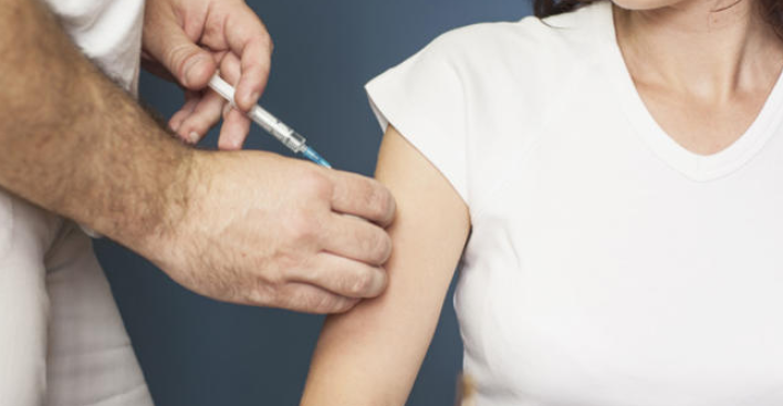 Serían más estrictos a la hora de exigir vacunas a los estudiantes