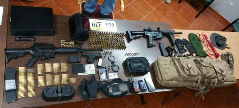Arrestan a ladrón con armas de alto poder en Vega Baja