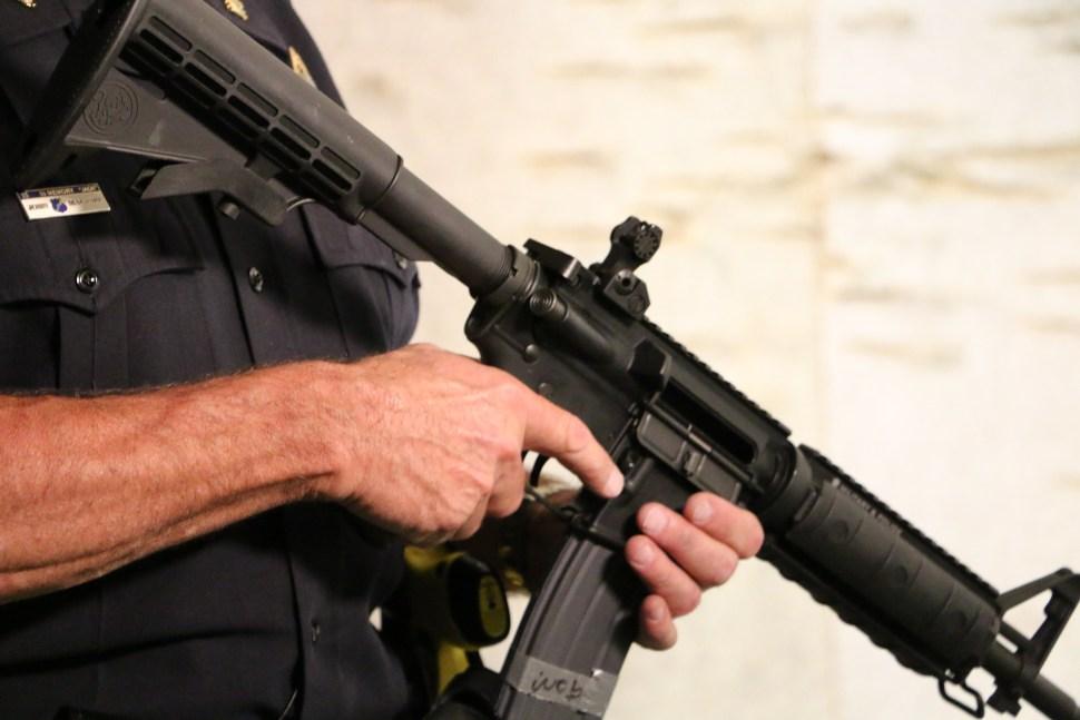 Robo supuestamente a punta de rifle en Santurce